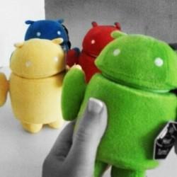 Peluche Andy Android 15 cm (verde, azul, rojo o amarillo)