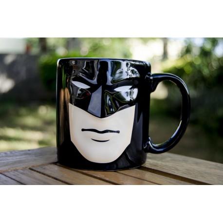 Taza con relieve máscara Batman