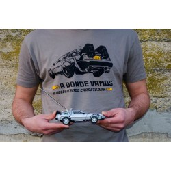 Camiseta + maqueta DeLorean Regreso al Futuro