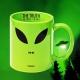 Taza Alien (en inglés)
