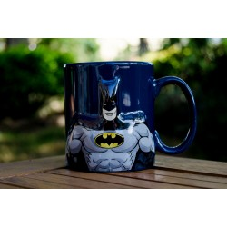 Taza con relieve Batman