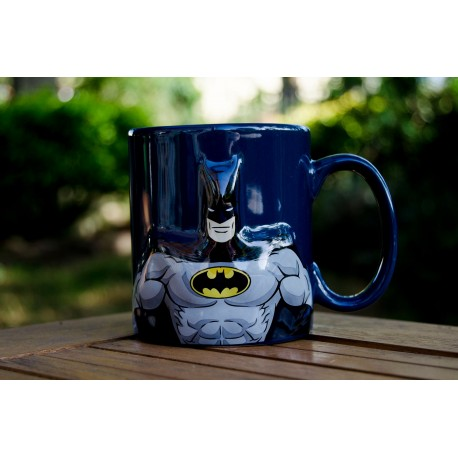 Taza con relieve máscara Batman