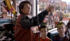 ¿Sabes quién es ese niño que se encontró Marty McFly en la cafetería (en 2015)?